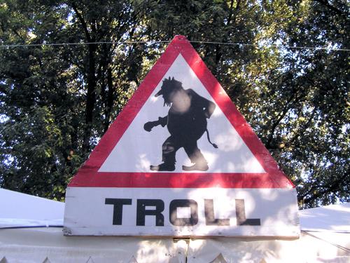 wikipedia_troll
