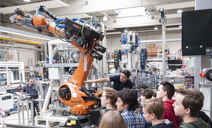 Abenteuer Wirtschaft | Foto: PIA Automation Austria